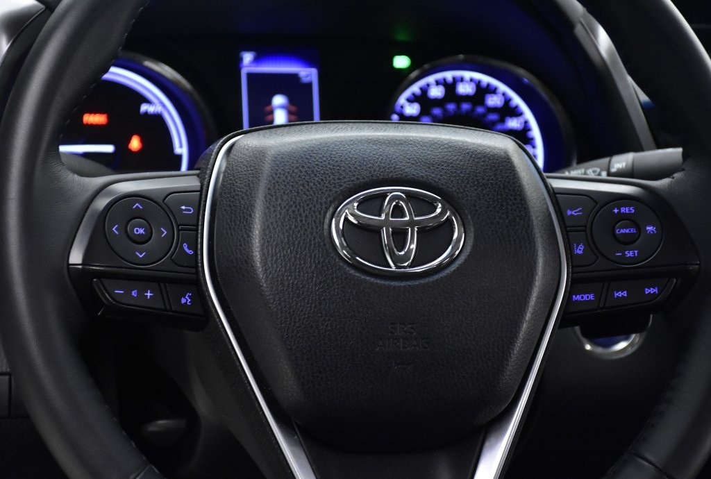 Certified Pre-Owned 2018 Toyota Camry Hybrid SE