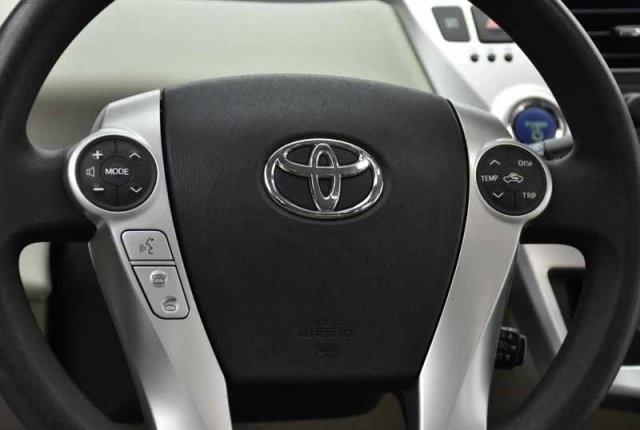 Pre-Owned 2013 Toyota Prius v Three